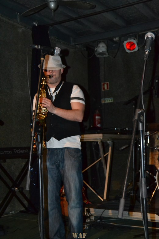 Ironic Salazar ao Saxofone