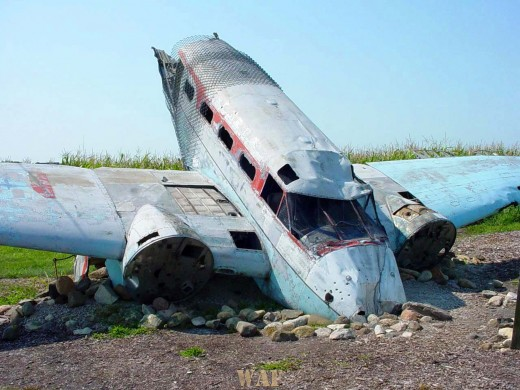 the front of a downed airplane in Joliet (IL)