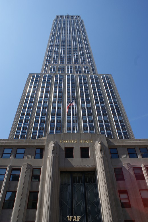 the Empire State Building (New York City, photographed 09/06/09)