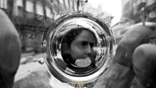 """""""ELA"""" pelo fundo do copo"""